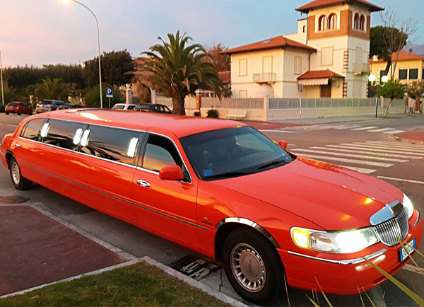 limousine red