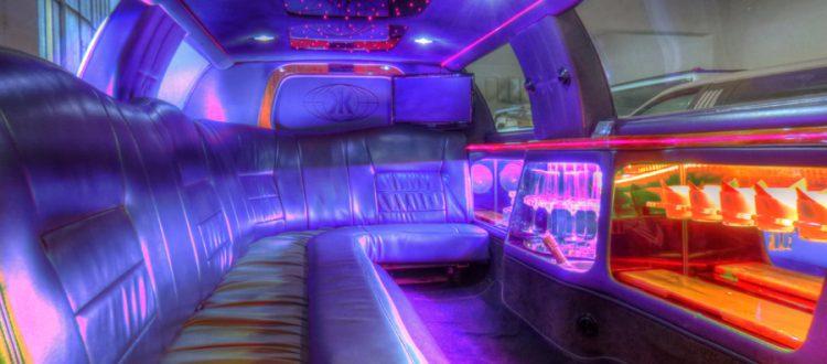 limousine rossa interni